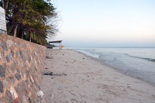 beach left