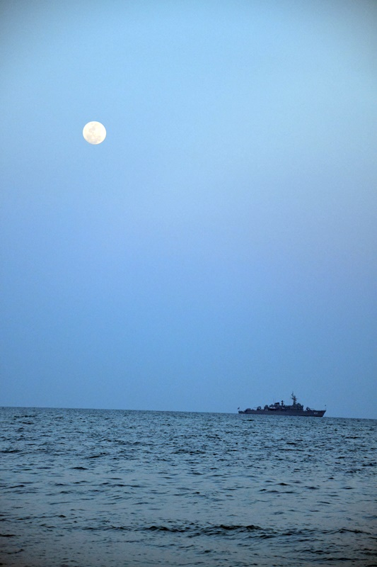 moon.ship2