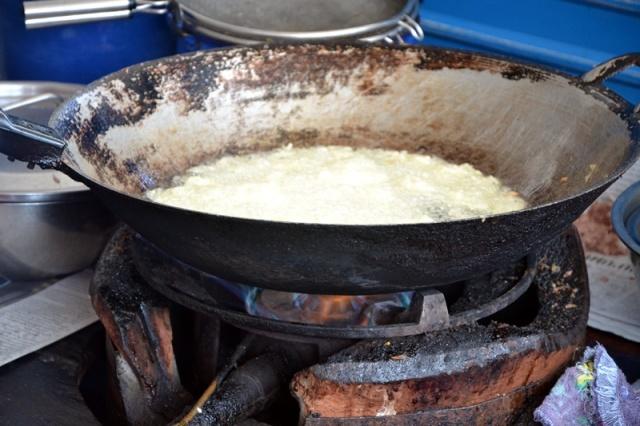 mussels in wok